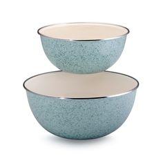 Paula Dean bowls