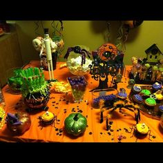 Halloween party table #halloween #partytable
