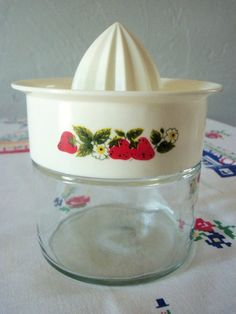 Vintage Gemco Citrus Juicer Reamer Strawberries
