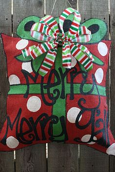 , burlap door hangers, adoor door, christma door, burlap christmas, door decor, craft idea, holiday decor, christmas ideas, christmas door