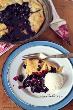 "This sweet and juicy Rustic Blueberry pie gives a whole new meaning to ""simple as pie""! Recipe at TidyMom.net"