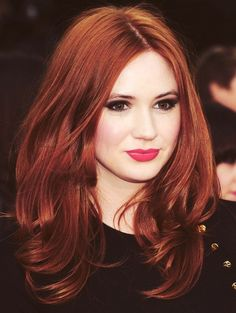 Top Famous Redhead Actresses-- Karen Gillan  She is just as pretty without the make-up, perhaps more.( If you watch Dr Who you will see this )