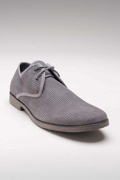 Stylishly simple, letting the ribbed suede strut its stuff.    [JOHN LENNON MONTREAL GREY]
