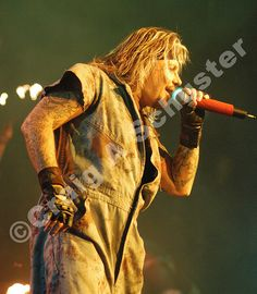 Classic #VinceNeil #photo from the #motleycrue COS Tour in Detroit MI. 2005 — with Vince Neil Official and Motley Crue. | Flickr - Photo Sha...