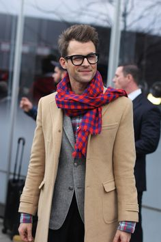Brad Goreski, we heart you and your chunky frames. outfit, glass, men fashion, men clothes, stylist, brad goreski, scarv, coat, man style