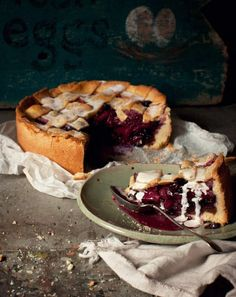 Apple, ginger and blueberry pie