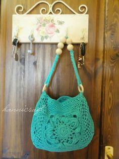 crochet bags, color, granny squares, crochet patterns, crochet purses, yarn, purse patterns, crochet handbags, crocheted purses