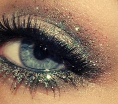 #PANDORAloves sparkly eyes #makeup #sparkly #pandora