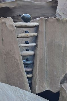 Rock | Pebble | Stone | 岩 | 石 | Pierre | камень | Pietra | Piedra | Color | Texture | Pattern | Stone balance