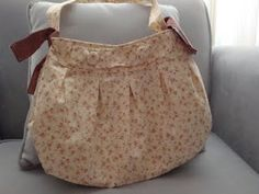 Buttercup bag in a sweet floral. Hello, Laura Ingalls!
