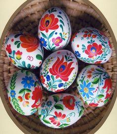Easter Egg DIY -hand-painted European folk art design