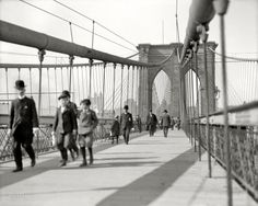Vintage !!! New York circa 1908. Brooklyn Bridge