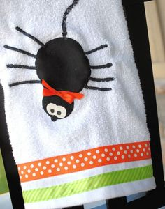 Halloween Hand Towels with tutorial...<3