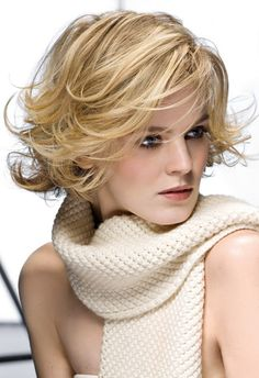 Short hairstyle image | Woman Hair and Beauty pics
