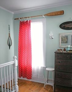 How cute is this curtain rod!