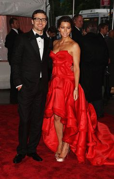 Jessica Beil with Justin Timberlake  MET Gala 2009 they look awesome I love her dress