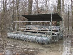 WAR EAGLE DUCKTOON...now that is a boat blind...