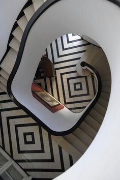 Havana architect Rafael de Cárdenas designed a house that was inspired by Le Corbusier's Modernist work, and which contained this Art Deco-inspired staircase