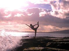 beaches, fit, sunsets, at the beach, inspir, happiness, bows, beauti, yoga
