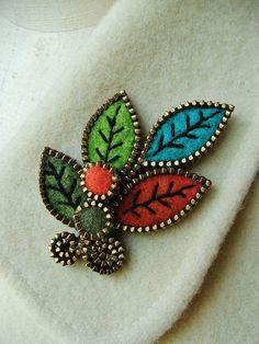 Zipper & felt brooch