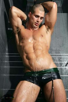 ..Wet and buff ;) #hunk