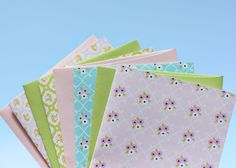 adorable Spring Note Cards and Place Cards....free! from Delightful Distractions