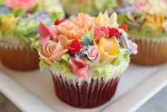 ❥ Garden Cupcakes... these are just gorgeous!