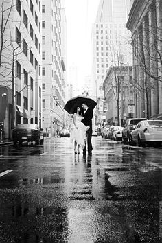 If it rains on your wedding day, here's a great idea for a beautiful shot.