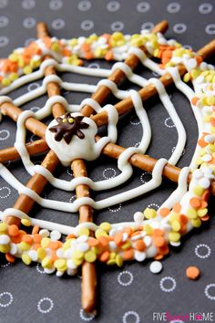 Pretzel Candy Spiderwebs ~ a fun and easy Halloween treat |