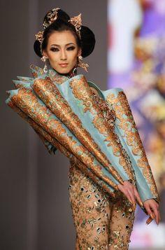 Guo Pei A/W 2010