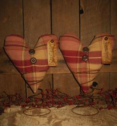 2 PrimiTive Plaid Grungy ValenTine Hearts Bench Shelf Sitter Rusty Nodders ...    antiquesnavigator.com