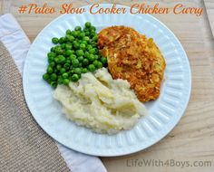 Sugar detox friendly chicken curry crockpot recipe.