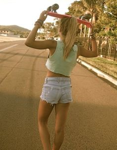 i want this whole outfit..including the skate board!