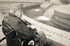 Helping World War II veterans visit their Memorial in DC.