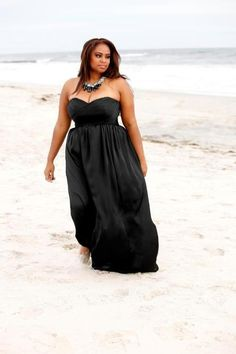 Model Tricia Campbell model, cloth, maxi, dresses, plus size fashions, curvi women, fabul size, blog, black