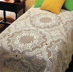 Georgeous over the top beautiful (to me) romantic bedspread made of big circles squares with diagrams