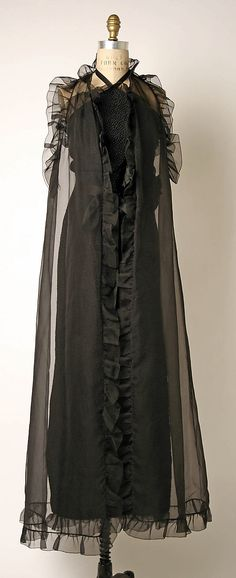 Evening ensemble House of Givenchy (French, founded 1952) Designer: Hubert de Givenchy (French, born Beauvais, 1927) Date: 1978 Culture: French Medium: silk