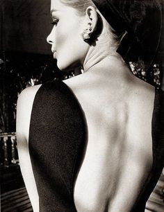 Jeanloup Sieff, Astrid's back, 1964.