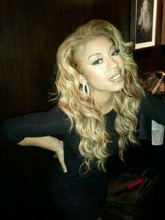I love Keyshia Cole's hair like this