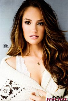 golden caramel highlights + natural brown smoky eye :: minka kelly in cosmopolitan / oct. 2011