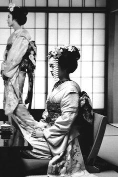 Nippon Vogue: Stranger in a Strange Land