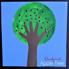 Apple Tree Craft – Kids DIY from I heart crafty things - BrassyApple.com #preschool #craft #apple