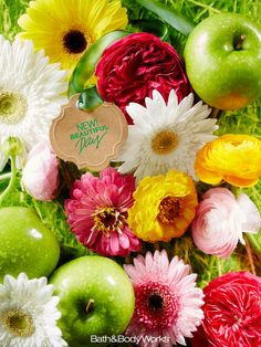 A carefree blend of green apple, wild daisies & sun-kissed peonies. #BeautifulDay wild daisi, peoni