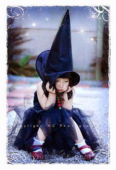 Jolie petite sorcière.