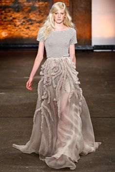 #Christian Siriano  #Fashion #New #Nice #CoutureFashion #2dayslook  www.2dayslook.com