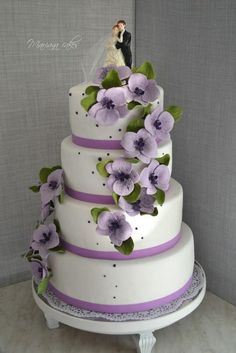 color, simple cakes, purple flowers, flower cakes, purple wedding cakes, cake toppers