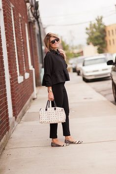 I love the use of black here as a canvas for the amazing accessories, including those cute printed pointy-toe flats.