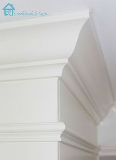 How to cut crown moulding corners