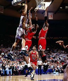 A lot of people seemed to hate on him but I always liked John Starks of the New York Knicks back in the day. He played with energy and passion and you got to respect that.  Plus Jordan might have put it on him sometimes but he never backed down. He even got payback sometimes....The Dunk New York Knicks, Dunk, Jordans, Nba, Chicago Bull, Basketbal, Sport, John Stark, Game