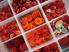 botões vermelhos